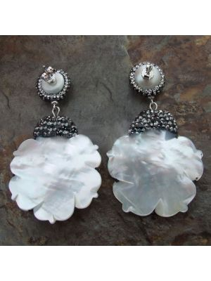 White Pearl Coral Shell flower Earrings